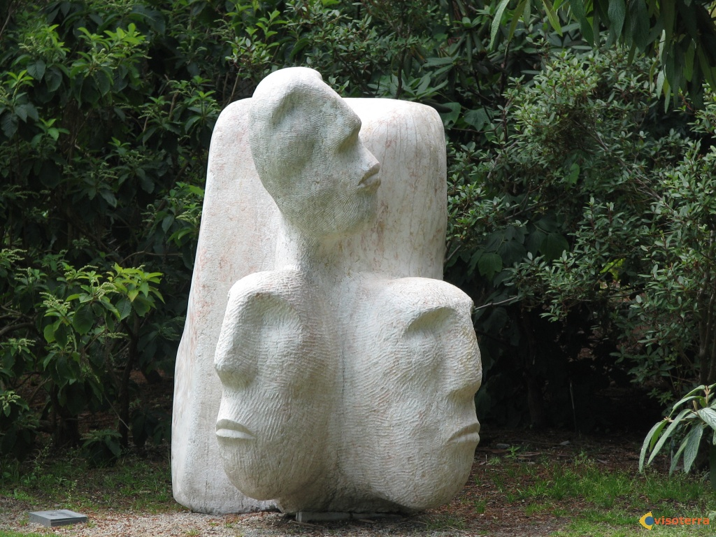 """Sculpture: """"Observing your society"""""""