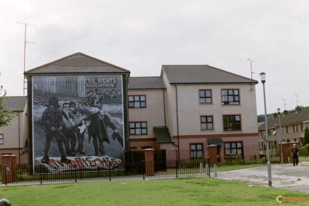 Civil rights derry,  bloody sunday