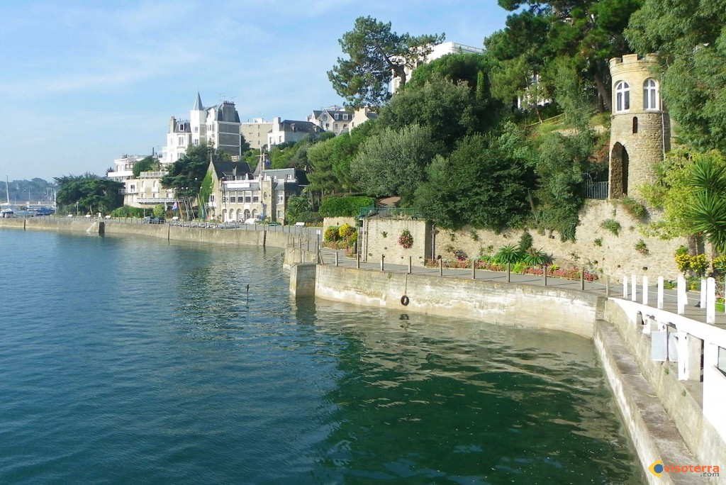 Dinard guide de voyage for Piscine dinard