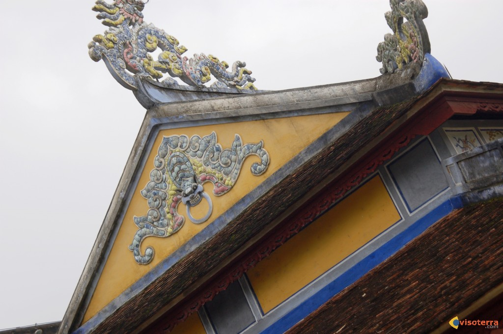 Hue 2, pagode Thien Mu 9, cours centrale