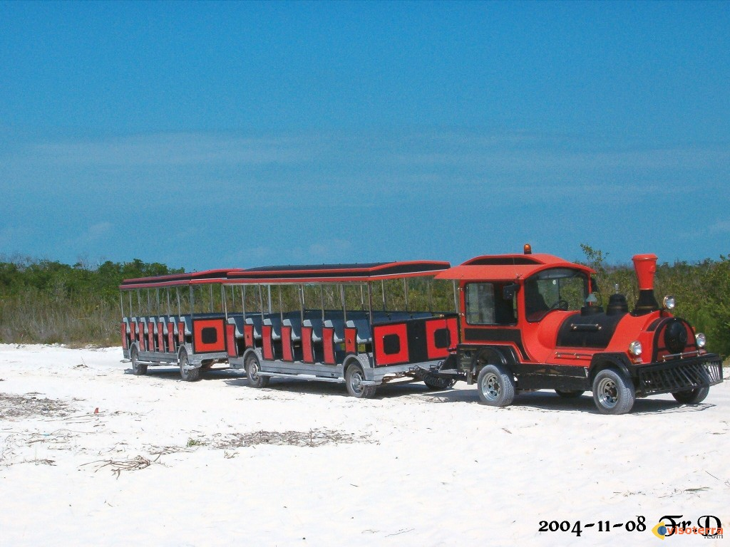 photo le transport en commun cayo largo cuba. Black Bedroom Furniture Sets. Home Design Ideas