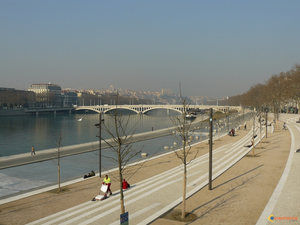 Photo quai du rhone for Piscine quai du rhone