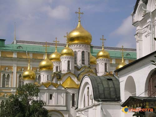 photo moscou bulbes d 39 une glise du kremlin. Black Bedroom Furniture Sets. Home Design Ideas