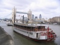Bateau_london_bridge