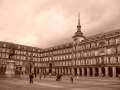 Plaza Mayor en sepia à Madrid